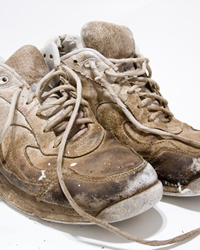 how to clean tough grass stains off shoes